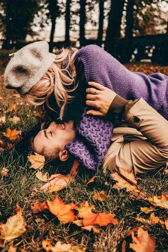 Funny Fall Photoshoot #lovestory #engagement