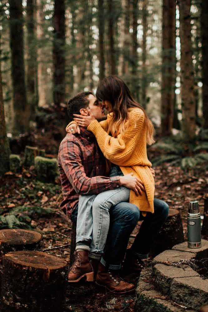 Cute Engagement Photoshoot In Forest #cutephotos #love