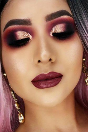 Festive Makeup In Berry Colors #smokey #lipstick