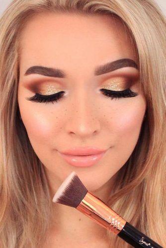 Festive Day Makeup Idea #goldsmokey