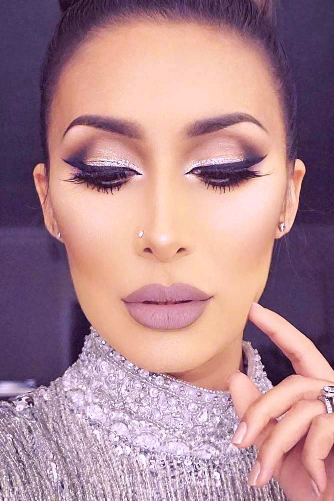 Popular Makeup Ideas with Glitter Shadows picture 1