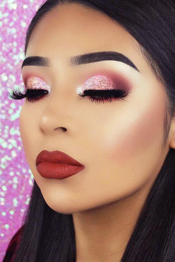Popular Makeup Ideas with Glitter Shadows picture 6