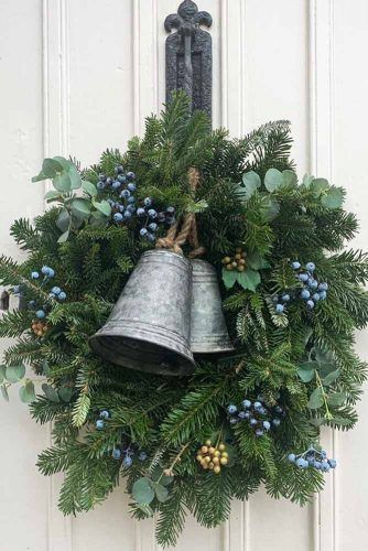 Christmas Wreath With Vintage Bells #bells #berries
