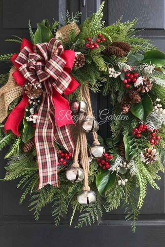 Christmas Wreath With Bells #plaidribbons
