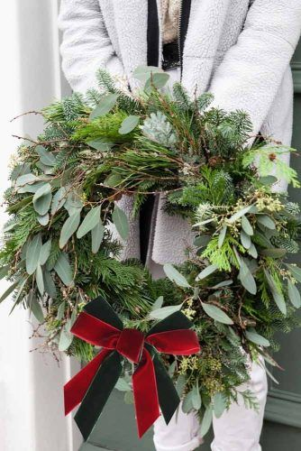 Greenery Christmas Wreath With Ribbon #ribbon #greenerywreath