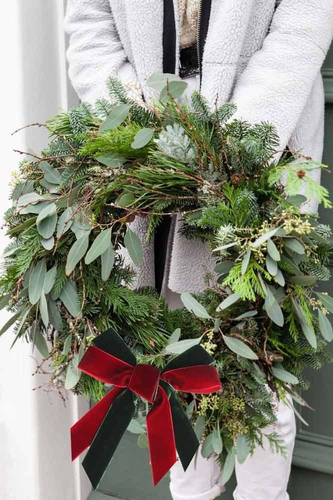 Greenery Christmas Wreath With Ribbon #ribbon #greenerywreath