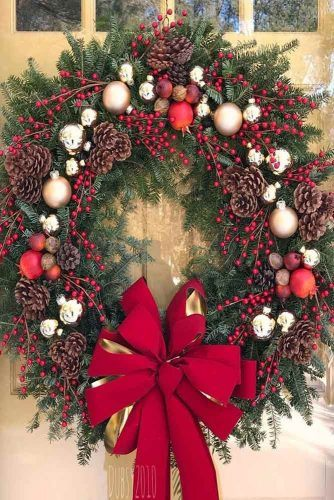 Christmas Wreath With Berries And Ornaments #ornaments #berries