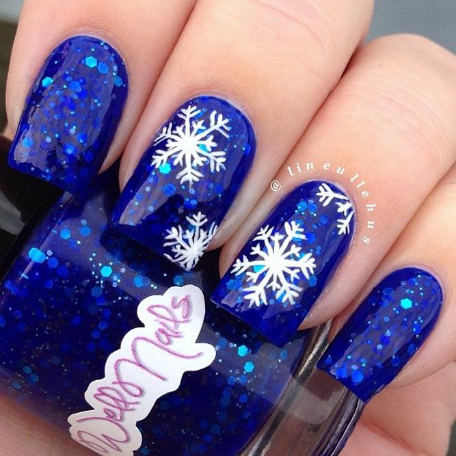 frozen-snowflakes-christmas-nails-5