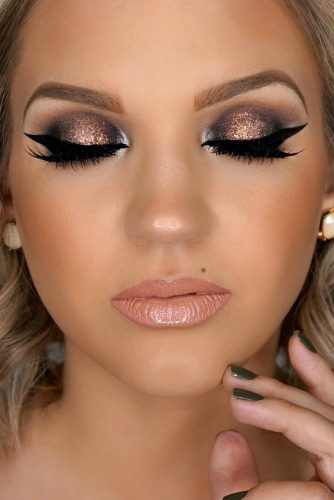 Amazing Glitter Christmas Makeup Ideas