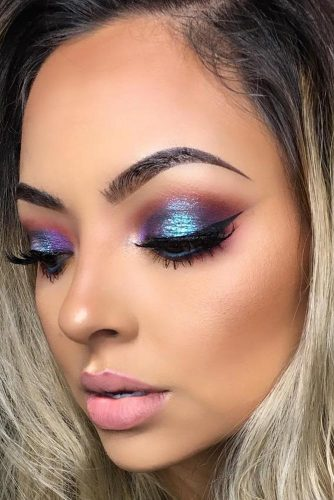 6 Amazing Glitter Christmas Makeup Ideas