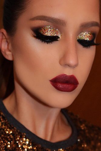 12 Amazing Glitter Christmas Makeup Ideas