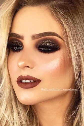 Glitter Makeup Ideas to Celebrate This Christmas picture 3