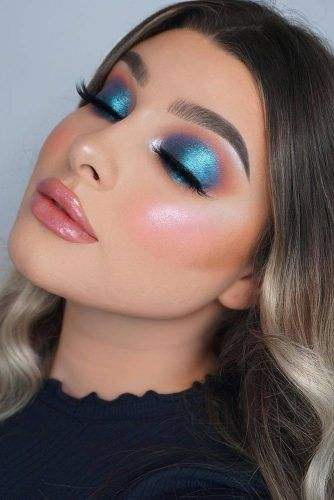 Blue Glitter Christmas Makeup #blueeyeshadow