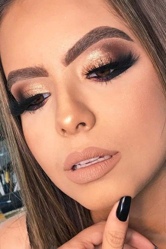 Glitter Makeup Ideas to Celebrate This Christmas picture 1
