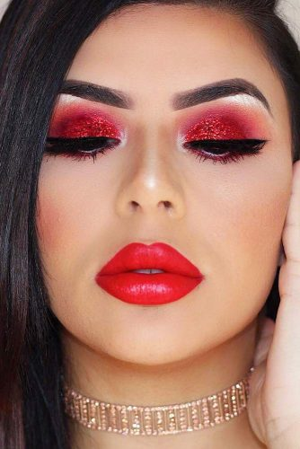 Bold Makeup Idea In Red Colors #redlips #redshadow