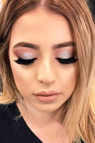 Stunning Glitter Makeup Ideas picture 5
