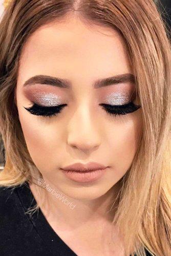 Stunning Glitter Makeup Ideas picture 5