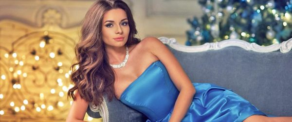 21 Luxury Christmas Dresses