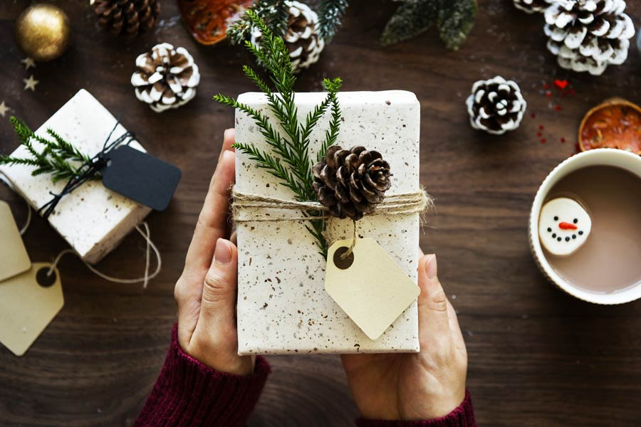 Easy And Inexpensive Christmas Gift Ideas for Everyone
