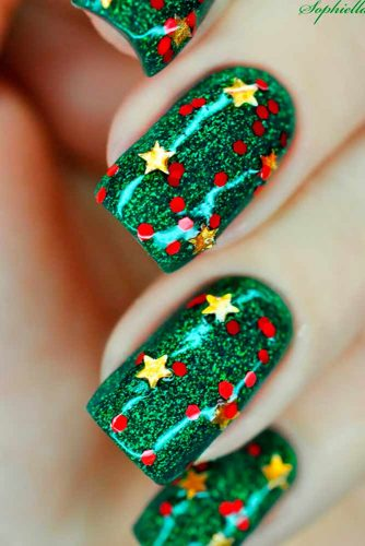 6 Best DIY Star Holiday Nails