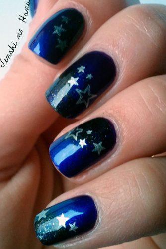 Best DIY Star Holiday Nails