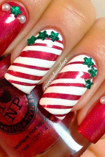 6 Best DIY Star Holiday Nails