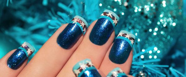 30 Best DIY Star Holiday Nails