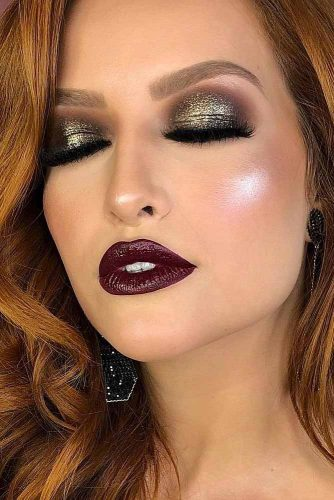 Bold Winter Makeup Look #glittersmokey #marronlips