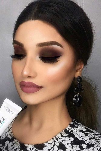 Brown Matte Smokey Makeup Idea #mattelipstick