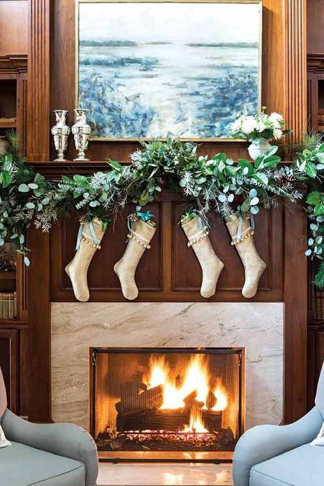 Greenery Garland Design #fireplace #greenery