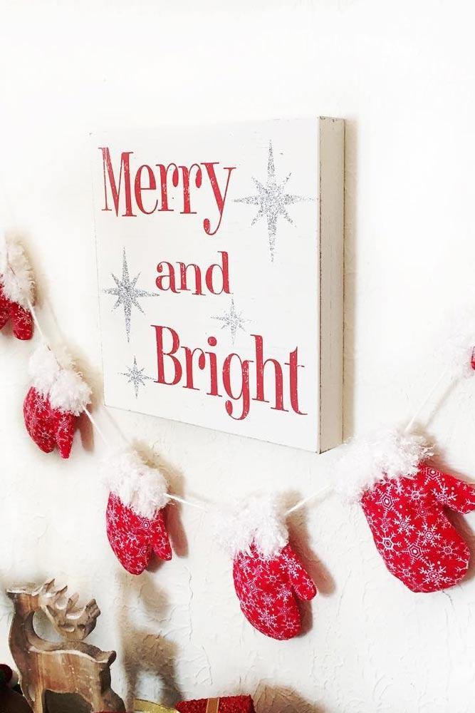 Mitten Christmas Garland #signdecor #mitten