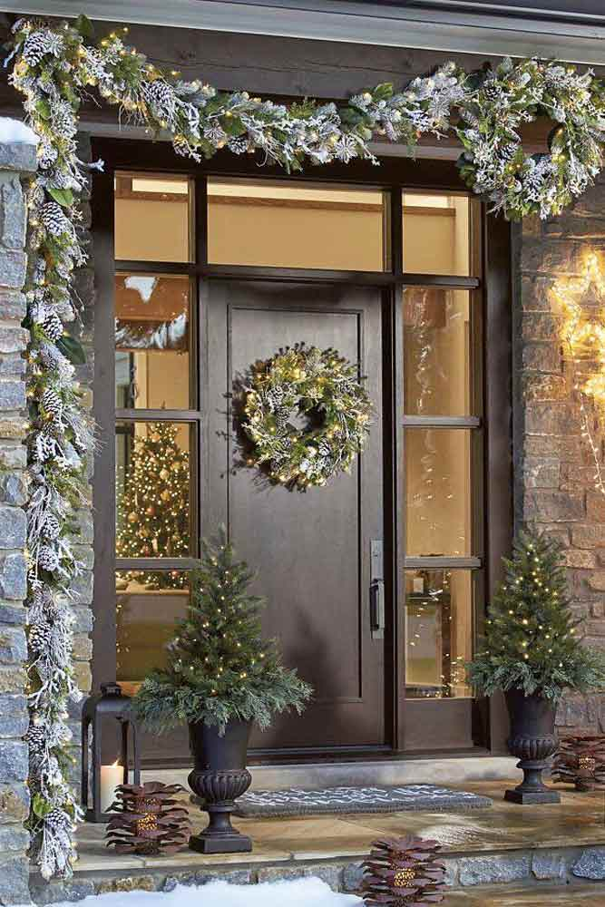 Popular Inside and OutSide Garland Ideas picture 4