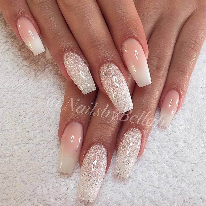 Easy Nails Designs with Christmas Colors Picture 1