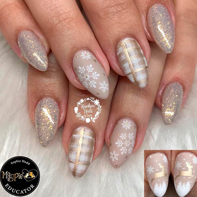 Subtle Gold Christmas Nail Art #goldnails