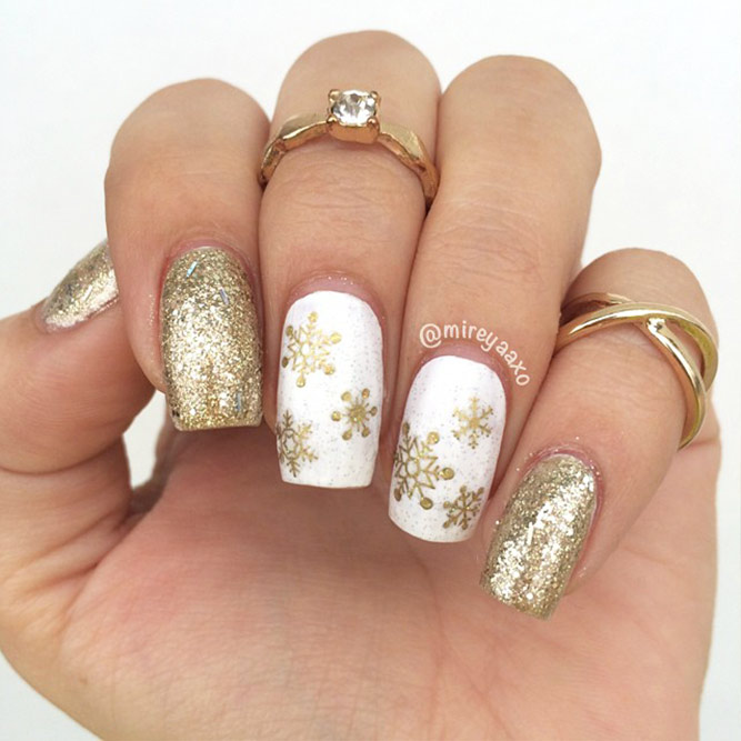 Christmas Nails Patterns for Beautiful Holiday Look Picture 5