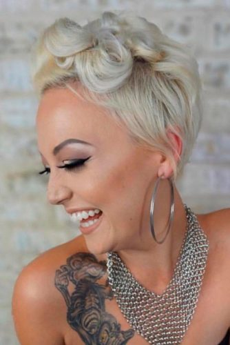Short Blonde Curly Hairstyle #shorthairstyles #blondehair