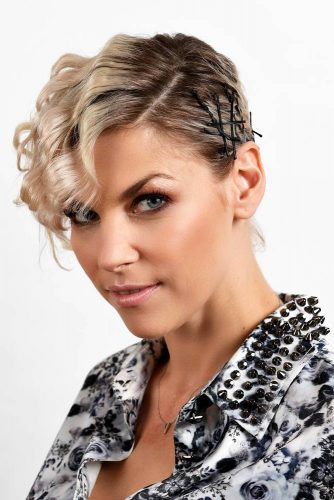 Messy and Sleek Bobby Pin Hairstyles picture2