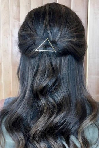 Sophisticated Bobby Pin Hairstyles picture6