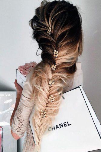 Super Cute Christmas Hairstyles for Long Hair