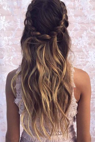 Beautiful Hairstyles for Christmas Celebration Picture 2