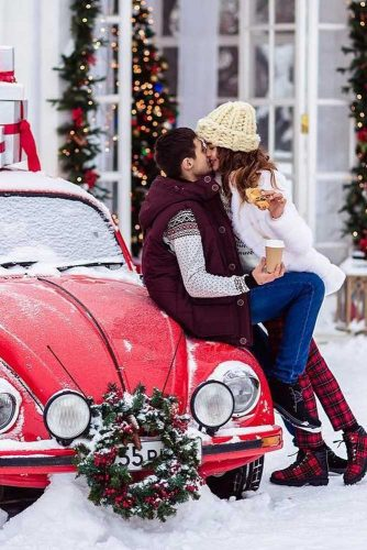 Cute Christmas Ideas For Couples.21 Cute Christmas Photos For Couples To Show Love