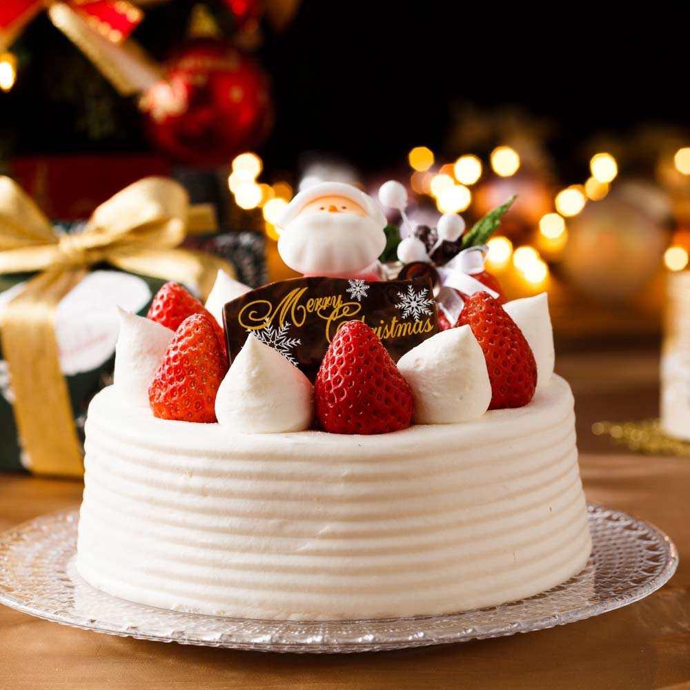 Christmas Cake with Strawberries