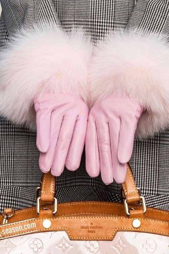 Pink Gloves Christmas Gift Idea #gloves