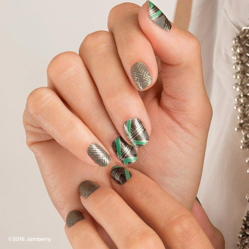 Fantastic Christmas Nails for This Holiday Season