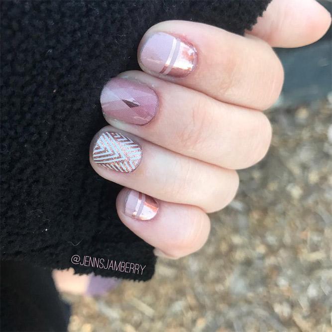 Fantastic Christmas Nails for This Holiday Season