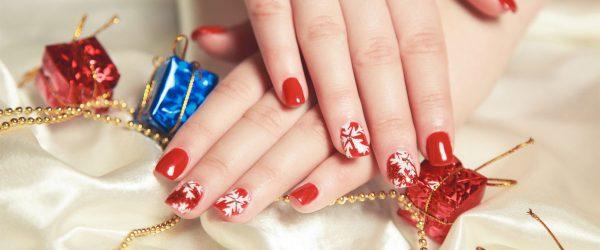 24 Fantastic Christmas Nails for This Holiday Season