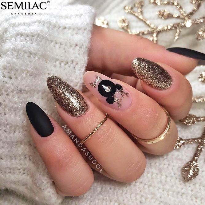 Mickey Golden Nail Art #goldennails #mickeynails