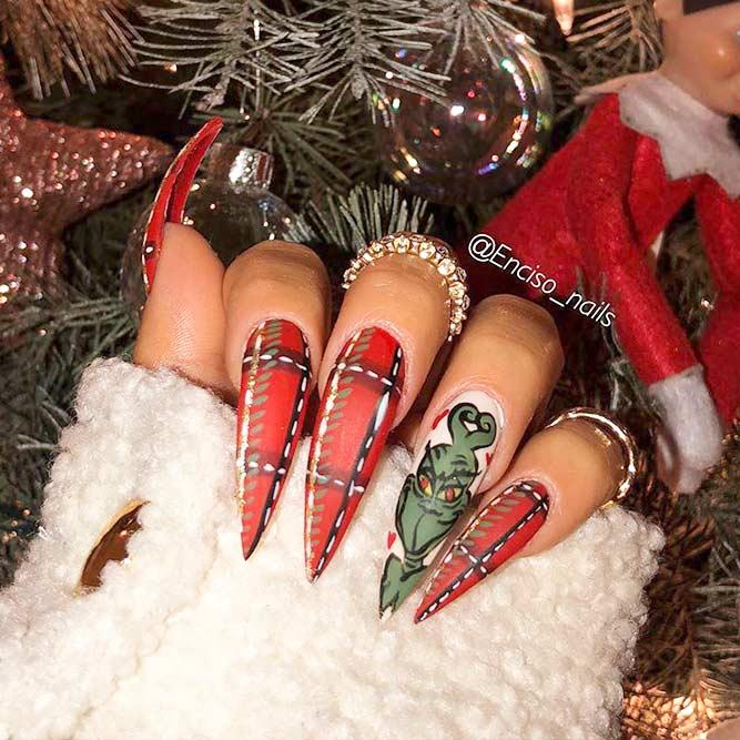 Grinch Nail Art For Holiday Mani #grinch #holidaynails