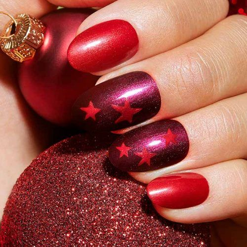 Red Christmas Stars #rednails #starsnailart