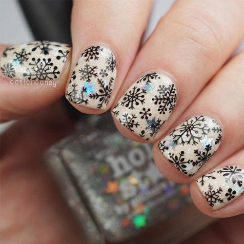 Frozen Snowflakes Christmas Nails